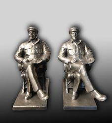 2 статуэтки Ленина