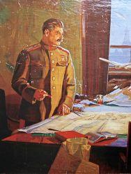Сталин рассматривает военную карту